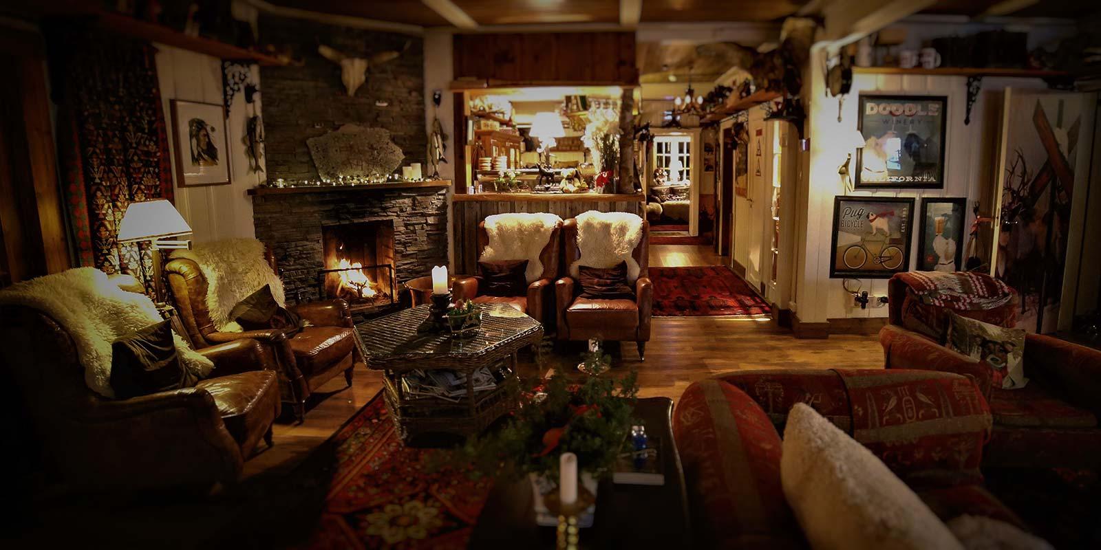 skarvruet hotel tänndalen funäsdalen funäsjällen härjedalen jämtland lobby fireplace