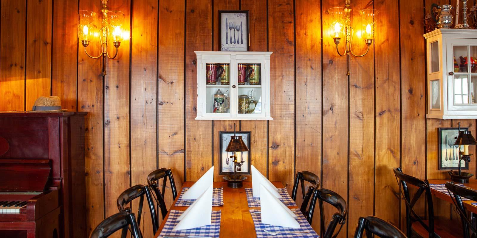 skarvruet hotel tänndalen funäsdalen funäsjällen härjedalen jämtland table rustic restaurant
